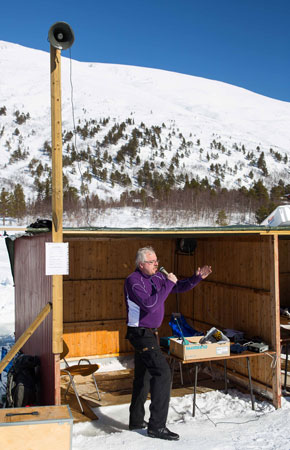 Handelsmann og fiske-entusiast Odd Inge Sliper gjorde en dyktig jobb som konferansier. (Foto: Tor Landløpet)