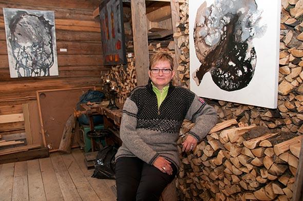 Siste helga i juli er siste sjanse til å besøk Turid Melby Bråtens utstilling på Naustløkkja. (Foto: Toralv Østvang)