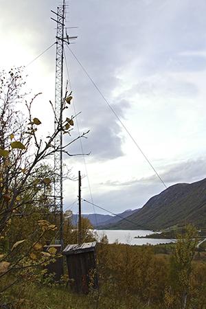 Hvor langt unna kan man få inn trådløst fastnett fra denne masten? Forutsetningen er fri sikt.