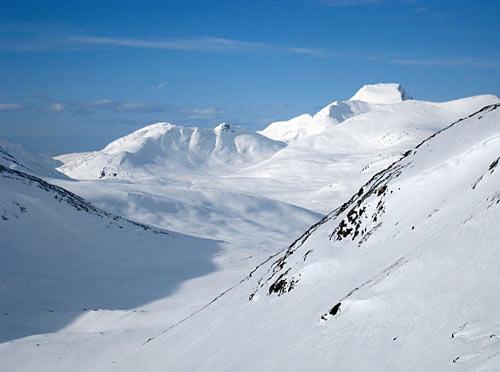 Slik utsikt kan du oppleve på turen rundt Hyttdalskammen. (Foto: Frode Vassenden)