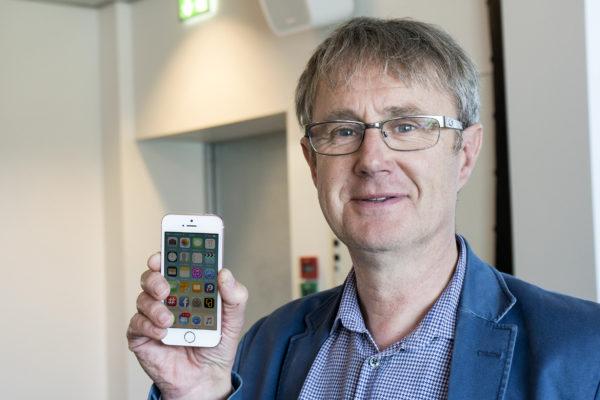 Dekningsdirektør Bjørn Amundsen bekrefter at 3G-nettet innerst i Storlidalen blir oppgradert til full 4G i 2017. (Foto: Toralv Østvang)