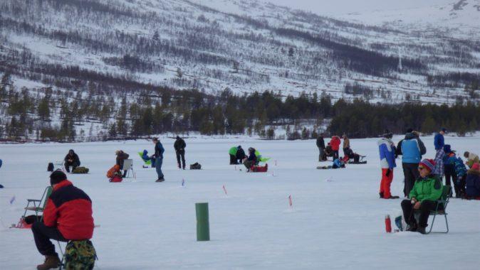 Isfiskekonkurranse på Ångardsvatnet Påska 2018